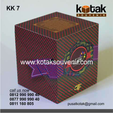 Kotak Kado Coklat Eksklusif